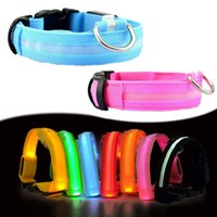 couleur de nuit achat en gros de-Nylon LED Pet Dog Collar, Night Safety Clignotant Glow In The Dark Dog Leash, Chiens Luminous Fluorescent Collars Pet Supplies