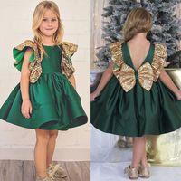 koyu yeşil diz elbise toptan satış-Koyu Yeşil Çiçek Kız Yay Ile Düğüm Sequins Backless Saten Kızlar Pageant Törenlerinde Diz Boyu Kolsuz İlk Communion Giymek