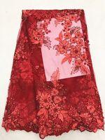 ingrosso tessuto pizzo africano rosso-5 Y / pc vendita calda rosso ricamo francese tessuto di pizzo netto con strass e perline fiore africano maglia pizzo per abito LJ28-7