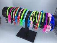pulseira de zíper de plástico venda por atacado-Lotes por atacado Misturado Bonito Bicolor Hip Zip estilo Zipper Moda pulseira de plástico pulseira Para meninas mulheres Crianças