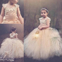 Wholesale Lace Skirts 3t - Vintage Design Flower Girl Dresses For Weddings Special Occasion Ball Lace Appliques Puffy Skirt Champagne Tulle Holy Communion Dress 2017