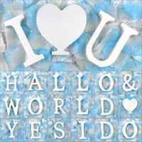 ingrosso lettera alfabeto in legno-Lettera di legno bianco Alfabeto Parola e simbolo specifico Free standing Letter Party Compleanno decorazione di nozze Foto Puntelli