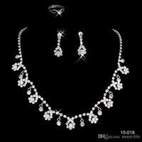 2017 baratos 15018 Frere Ship Hot Sale Holy White Rhinestone Crystal Flower Earring Necklace Set Bridal Party