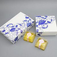 caixas de bolo de casamento chinês venda por atacado-Estilo chinês Azul E Branco Presente De Papel De Porcelana Mooncakes Caixas De Festa De Casamento Bolo De Papel Caixa De Embalagem Frete Grátis ZA3986