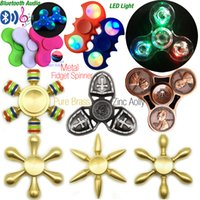 Wholesale New Crusader Fidget Spinner Toy Triangle Leaves Hand Spinners Top Zinc Mold EDC Finger Tip decompression novelty Rollover Copper Toys DHL