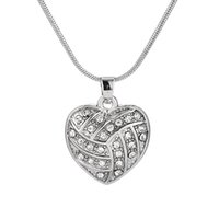 Design simple Volleyball Heart Clear Crystal Pendant Sports Femmes Girl Gift Necklace Maxi Jewelry Meilleur cadeau pour Volleyball Lovers