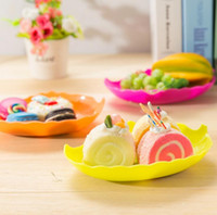 Wholesale hotsale kitchen fruit vegetable tools multifunctional food grade leaf shape plastic snack cake dishes plates