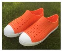 pisos zapatos agujeros al por mayor-Mujeres nativas zapatos de Jefferson Sandalias 2017 amantes de la moda Agujero Zapato de marca plana ocasional zapatos de verano nativos tamaño 35-44