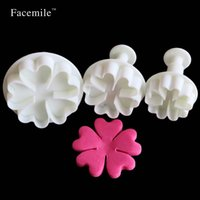 Wholesale Mini Heart Cutter - Wholesale- Five leaves heart Cake Decorating Embossing Cutter 3Pcs Mini Cake Mold Spring Cake Cookie Chocolate Jelly Baking Fondant 01077
