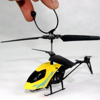 Mini RC Helicopter 3.7V Radio Télécommande Aircraft 2.5 Channel Drones Copter et LED Flying Ball avec emballage au détail