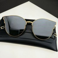 Woman ornamental signs - Hot Sale Brand Fashion Style GM Sign of tow Tale Sunglasses Women Brand Design Sun Glasses Oculos De Sol Feminino with packing case