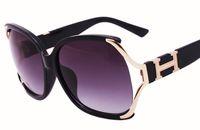 Wholesale Glasses Sun Retro Style - 2017 New Summer Style Unisex Vintage Sunglasses Retro Rivet Men Women Sun Glasses Women Brand Designer Glasses Oculos De Sol 6353
