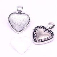 Sweet Bell 10 set Cameo Heart cabochon Configurações Ajustar 20 mm de diâmetro Antique Silver Photo Charm Pendant + Clear Glass Cabochons D0881-1