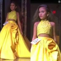 robes de mariage jaune achat en gros de-Jaune Deux Pièces Filles Pageant Robes En Dentelle Top Satin Jupe Avec Rose Ruffles Une Ligne Fleur Filles Robe Pour Mariages Enfants Fête Robe