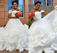 fildişi kıvırcık elbiseler gelinlik toptan satış-2019 Yeni Varış Cap Kollu Gelin Pleats Fırfır Beyaz Fildişi Artı Boyutu Afrika Gelin Kıyafeti Balo Elbise Bulut Gelinlik
