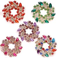 cristal de bauhinia venda por atacado-7 Estilos de Moda Traje de Pino Broche de Cristal De Bling Luxuoso Bauhinia Flor Cachecol Jóias Delicado Floral Wreath Pin Broche B536S