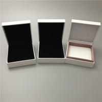 ingrosso pacchetti ems-DHL o EMS libera il pacchetto differente della scatola di carta 3 per l'esposizione d'imballaggio dei gioielli del pendente del braccialetto del braccialetto del braccialetto della perla del branello di fascino di Pan