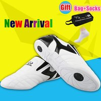Wholesale Karate Martial Arts - Wholesale- 2017 new Taekwondo shoes Thai Chi Martial art competition training shoes Breathable Wear-resistant TKD karate Shoes home fitness