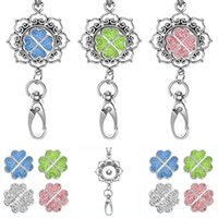 Womens Office Lanyard ID Badges Holder Collier avec 4pcs Clover Snap Charms Jewelry Pendentif Clip N166S