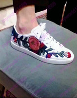 Wholesale ladies floral shoes - 2017 Ladies Beauty Floral Embroidery Back Bowtie Flats Casual Shoes Woman Mixed Color Flower Lace Up Low Top White Trainer Shoes