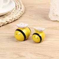 Wholesale Ceramic Salt Pot - Condiment Ceramic Pot Bee Modeling Salt And Pepper Jar Seasoning Cans Wedding Favor Gift Home Decor 3 3lw F R