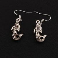 ingrosso sirena gancio-Orecchini a forma di sirena Orecchini in argento 925 a forma di pesce 30 paia / lotto Lampadario in argento antico E164 39.7x11.8mm