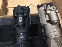 ingrosso luci laser a pistola-Nuovo 2017 Tactical Making SF X400V LED Pistola / Fucile Gun Light con laser rosso nero / grigio SZ0019