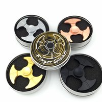 Triangle Axe Shape Hand Spinner Liga de zinco Finger Toy de metal para Autism Fidget Spinners Toys Spinning Top With Retail Box