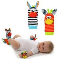 Wholesale Giraffe Foot - 2017 Fashion New arrival baby rattle baby toys plush Giraffe Wrist Rattle+Foot Socks Education tools toy socks