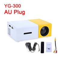 Venta al por mayor- AU PLUG YG300 LED Proyector Portátil 400-600LM 3.5mm Audio 320 x 240 Píxeles YG-300 HDMI USB Mini Proyector Home Media Player