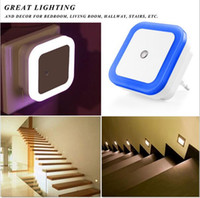mini sensor de luz al por mayor-Mini Auto Night Lamp Luz LED Built-in Light Sensor Control White Bedside Light Lámpara de pared US / EU