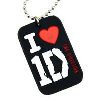 tek yönde zincir kolye toptan satış-Toptan 50 Adet / grup I Love 1D Silikon Köpek Etiketi Kolye 24 Inç Top Zincir Ile One Direction Logosu