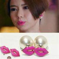 botones de labios rojos al por mayor-Moda Mujer Pendientes de perlas Stud Ear DHL 2 colores Labios rojos Pendientes de Navidad Accesorios de moda para Lady Girl Jewelry Christmas Gift
