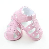 Лето Bebe Heart Pattern Sandals Babies anti-slip Soft Clogs Детская принцесса Cute Shoes 2017 Toddler Оптовая обувь