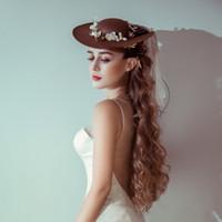 şapka saç süslemeleri toptan satış-Yeni Kahve Keten Yay Çiçek Gelin Şapka Tül Bahçe Düğün Saç Aksesuarı ile Gelin Anne Özel Durum Parti Dekorasyon Fotoğraf Şapka