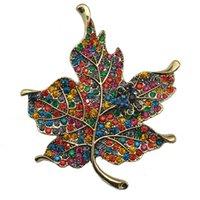 broches enjoyados al por mayor-Broche de cristal Rhinestone Broches elegantes Jeweled Maple Leaf Gran broche y alfiler Ropa Decoración Regalos de Navidad