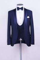 ingrosso cravatta di maglia blu satinata-Groomsmen scialle in raso smoking smoking dello sposo blu abiti da uomo One Button Wedding Blazer uomo (giacca + pantaloni + vest + cravatta) Z70
