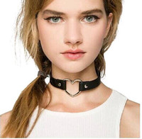 Mix Color Black PU Collier Cuir en Cuir Punk Love Heart Colliers Choker Chocs Au Japon