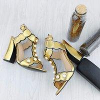 decorar zapatos de tacón alto al por mayor-Nuevas sandalias de fiesta de las mujeres Tacones gruesos altos Sandalias de cuero suave hebilla de los pies abiertos Perlas de las señoras atractivas decorar zapatos casuales