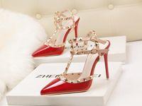 bombas de brilho vermelho venda por atacado-Mulheres Sapatos de Salto Alto Mulheres Bombas 34-39 Espumante Bombas de Moda 10 CM Stilettos Apontou Toe Sapatos de Casamento Para A Mulher de Couro Vermelho inferior