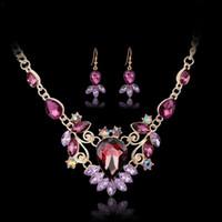 ensembles de bijoux en cristal dames achat en gros de-Lady Luxury Crystal Stones Boucles d'oreilles Collier Ensemble Violet / Rouge / Vert / Bleu Alliage Pendentif Colliers De Bijoux De Mariée Ensembles Livraison Gratuite