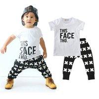 baby-hosen-säugling großhandel-Jungen Freizeitkleidung Sets Baby Buchstaben Kreuzmuster Mode Anzüge Infant Outfits Kinder Tops Hosen 1-5 T LG2017