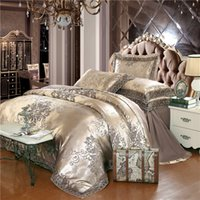 Atacado de Luxo Jacquard Bedding Set 4pcs Rei Cama Queen Size Linen Gold Duvet Cover Lace Satin Bed Set Folha de seda