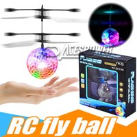 RC Flying Ball Kid Jouet Coloré Flying Elf Fée Infrarouge Induction Hélicoptère Ball avec Arc-En-Shinning LED Lumières