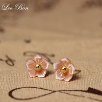 LeoBon 925 Sterling Silver Shell Carvings Pink Peach Flowers Orecchini Stud Per Donna Elegante Lady Gift Sterling Silver Jewelry