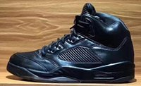 ingrosso scarponi da uomo premium-con scatola 5 V PREMIUM TRIPLE NERO VESTITO DI VOLO WEST RED SUEDE Toro scatenato 3m Olympic Gold Scarpe da basket 5s Scarpe sportive da uomo Stivali Sneaker