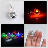 Flash Light Up LED Pendente Drop Blinking Brincos de Natal Moda Mulheres Luminous Ear Rings Studs Party Supplies Gift ZA3641