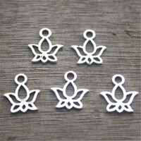 ingrosso lotus flower pendants-40pcs-Lotus Charms in argento antico Tibetano tono pendenti Mini Lotus fascino 13X11mm
