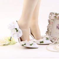 Wholesale Imitation Designer Shoes - 2017 Newest Designer Pointed Toe 9cm High Heels Green With White Lace Flower Pearls Decoration Stiletto Party prom Bridal Wedding Shoes