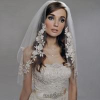Wholesale Vintage Veils - Romantic And Cheap Wedding Accesories Wedding Veils Applique Veu De Noiva Vintage White Bridal Veils